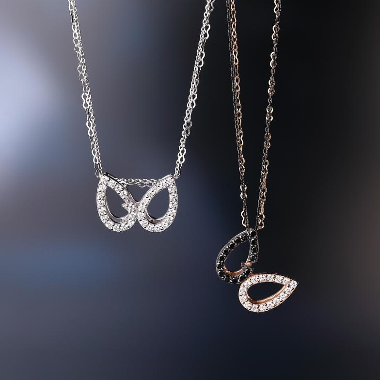左:K18WG ダイヤ ネックレス<br>右:K18WG/PG ダイヤ ネックレス